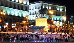 The laid back feel of Madrid's centre square at night